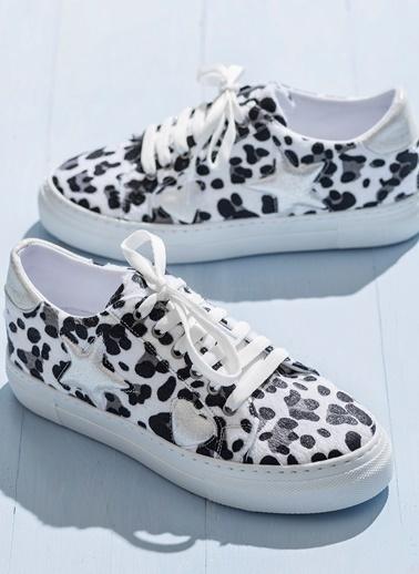 Elle Desenli Bağcıklı Ayakkabı Beyaz